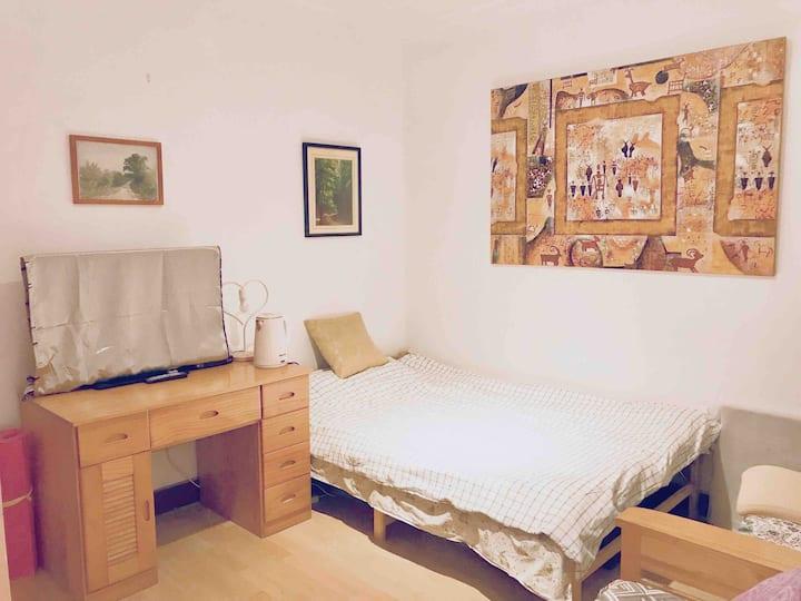 Half-Private Room Downtown中山公园高层交大长宁校区半私密校区独立房间单人