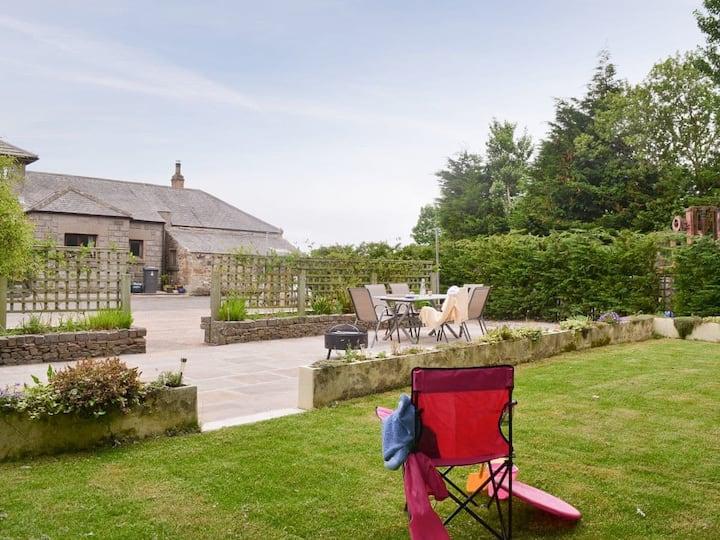 Whinstone Barn (UK3263)