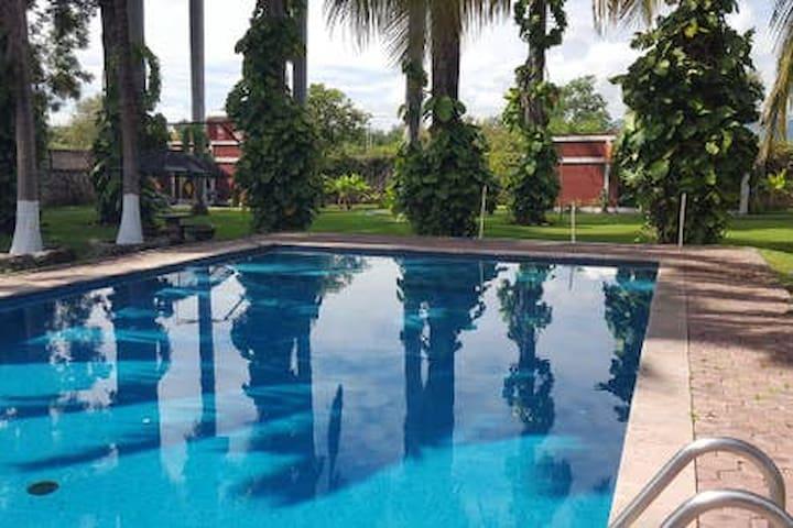 Hermosa Casa con alberca en Morelos Miacatlan