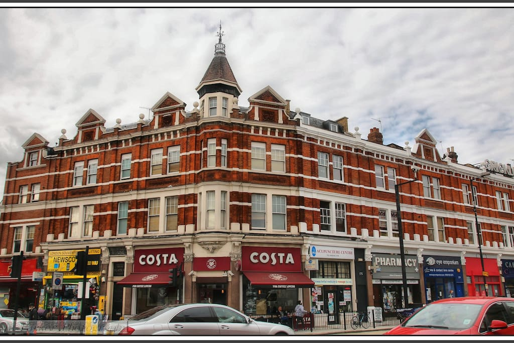 Around the corner from bars, shops and amenities of Cricklewood Broadway.
