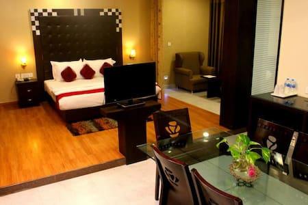 Open Studio with Kitchenette - Varanasi - Wohnung