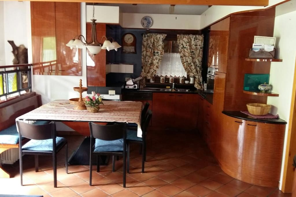 La cucina e la zona pranzo