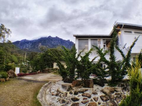 Sling & Stone Mt. Kinabalu (A-Mountain View)