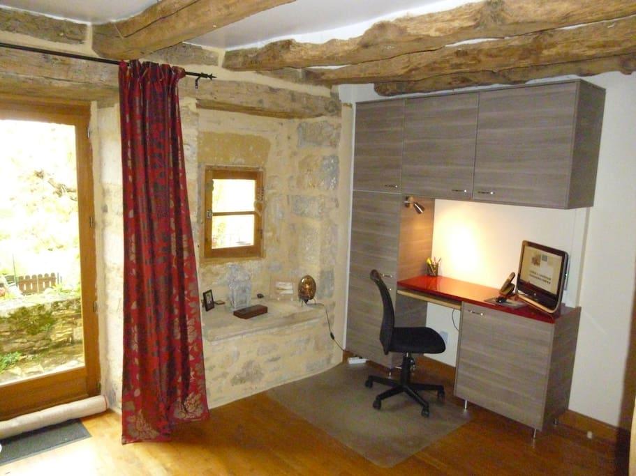 lounge work area