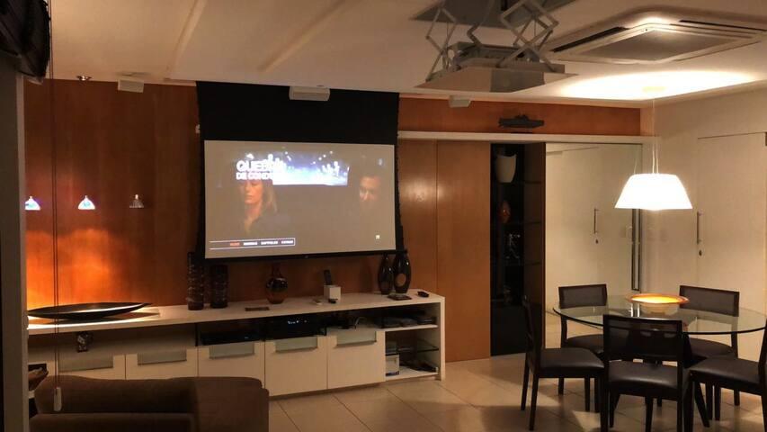 APTO SUPER LUXO-160 m²/ 3 SUITES-BAIRRO NOBRE