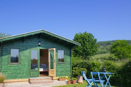 Foxfield Chalet, nr Goodwood - Charlton - Chalet