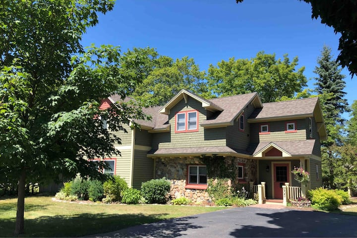 Welcome to Penny Cottage! 3BD/2BA + Central A/C!