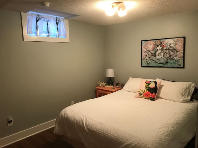 Newly Remodeled! W/Breakfast & Ride Options!