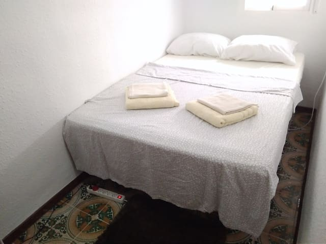 Cheap room near City of Arts&Scienses/Oceanografic