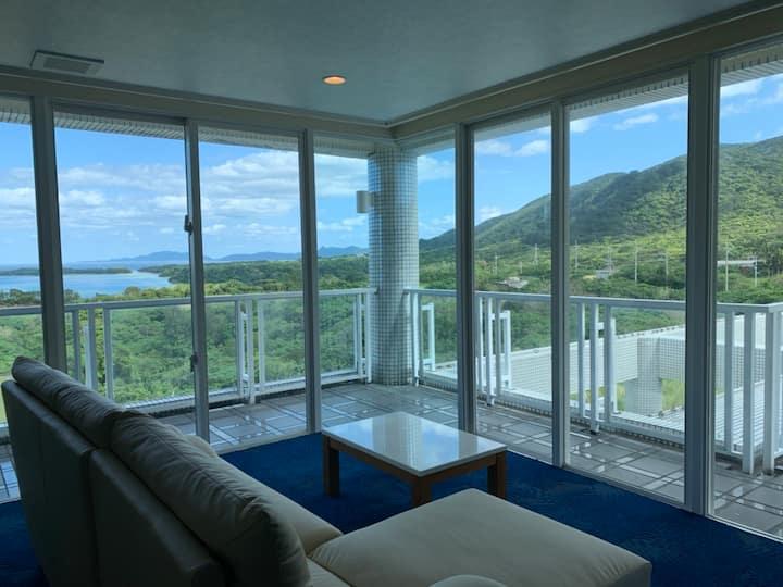 川平湾を見おろす最高の景観 ホテル海邦川平 1~2階12名 Overview Kabira-bay