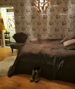 Cozy one room apartment! - Kallhäll - Apartamento