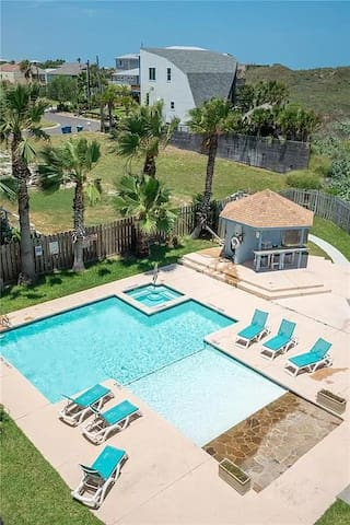 Location! Direct Beach access & Ocean View! Port A