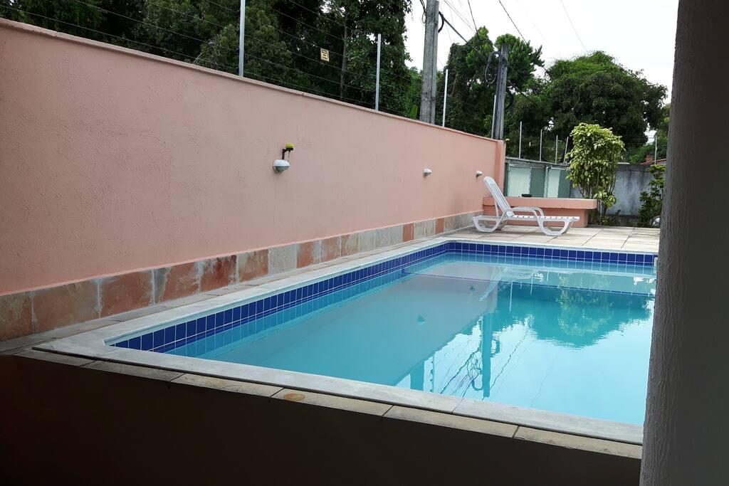 Area de churrasqueira com piscina,
