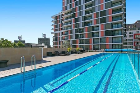 Room in Wolli Creek Complex with pool and gym! - 渦拉溪