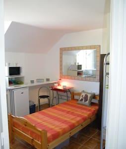 Studihotel 16m2 salle d'eau & cuisine indépendante