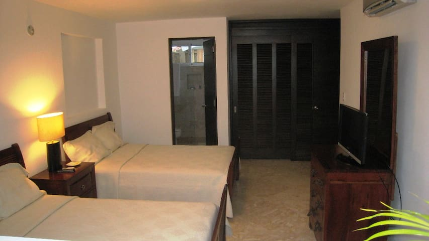 Cosy comfortable room with private entrance