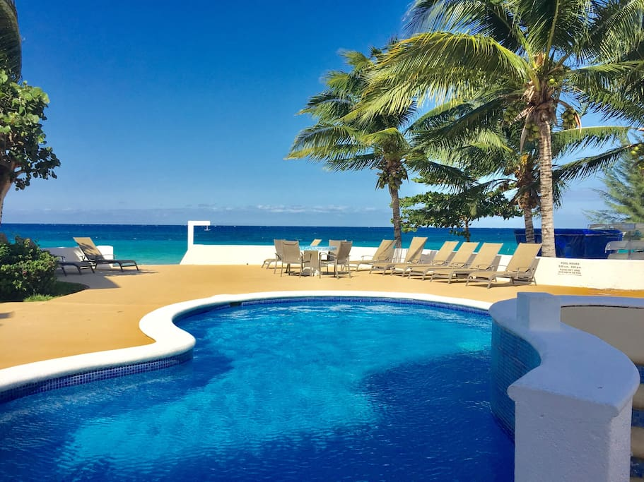 Fresh water pool or Caribbean Sea... tough decisions when in Paradise.