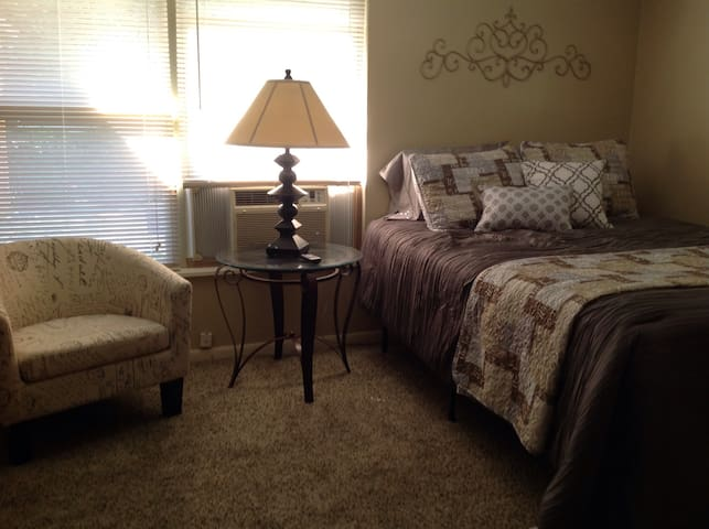 Cozy Efficiency - North Richland Hills - Huis