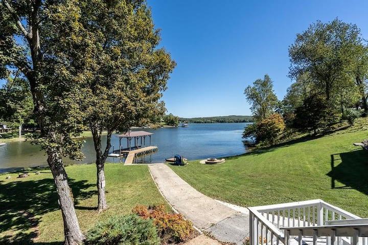 Lakeside Chickamauga Retreat & Boat House