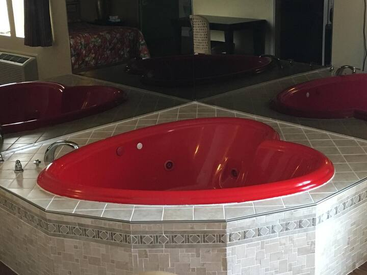 Red Heart Shape Jacuzzi With King Size Bed Hotels For Rent In Seaside Heights New Jersey United States