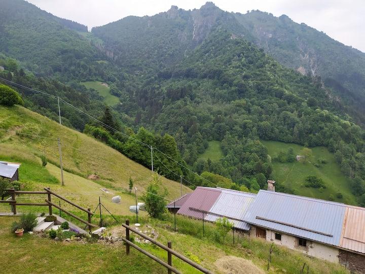 Monolocale nelle montagne Orobiche