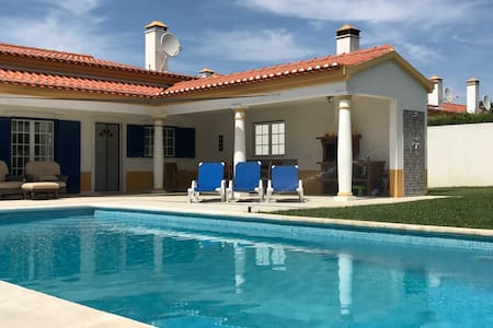 Luxury Villa with Pool in Foros de Salvaterra