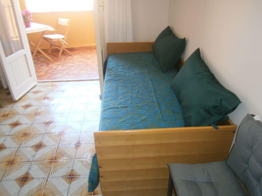 Monolocale mondello ashur appartamenti in affitto a for Monolocale arredato palermo