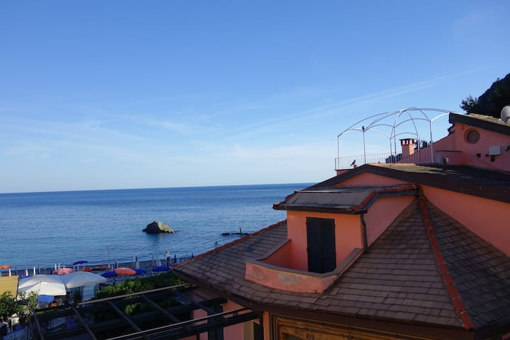 Diana Cosy Apartment sea view near the beach