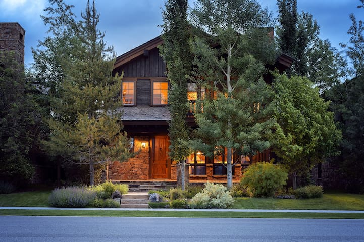 Tributary 4 BR Home in Driggs, ID