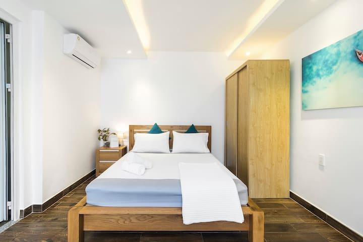 Sparkle Clean Room Near Airport – 5 Min Away ✈️