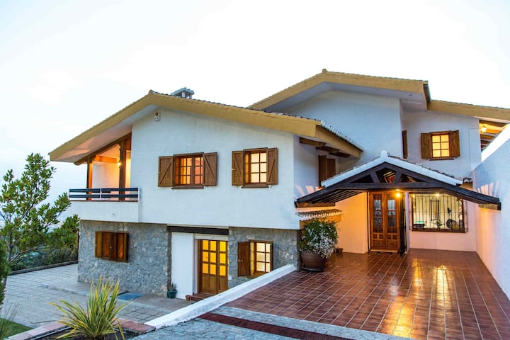 Luxury villa to share with family and friends