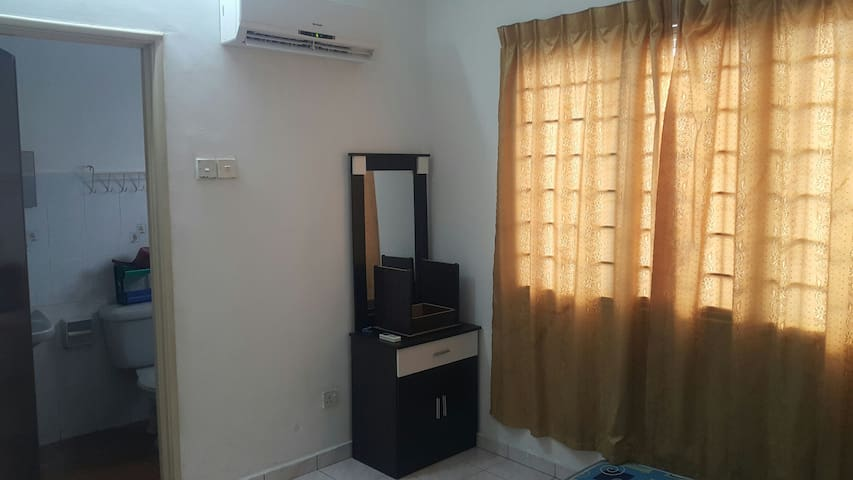 Puchong Bandar Puteri House to Rent - Puchong - Appartement