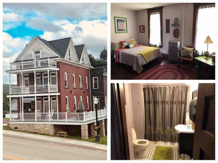 The Nash Room @ the Trailside Inn