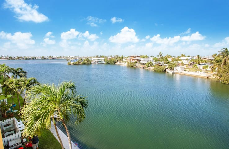 2 Bedroom Waterfront Penthouse Condo
