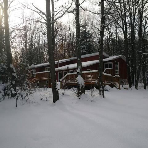 La Cabane - Val-des-Monts
