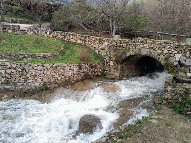 Bonita casa de pueblo en Mombeltran  Avila - Mombeltrán