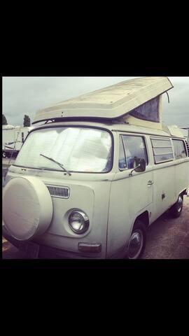 1968 VW Westfalia Camper - Portland
