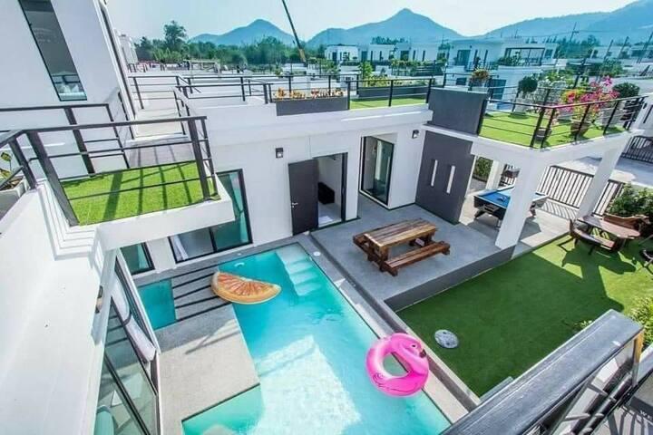 Spring Vintage Pool Villa Huahin