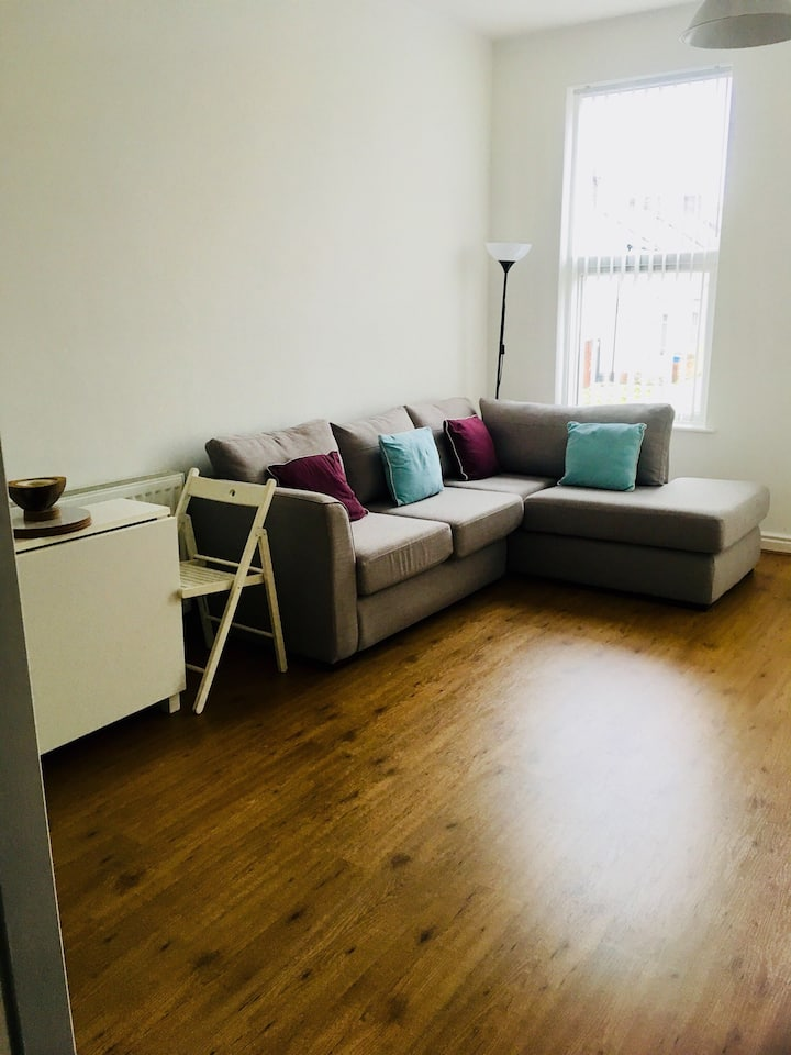 Spacious light and airy 1st floor flat