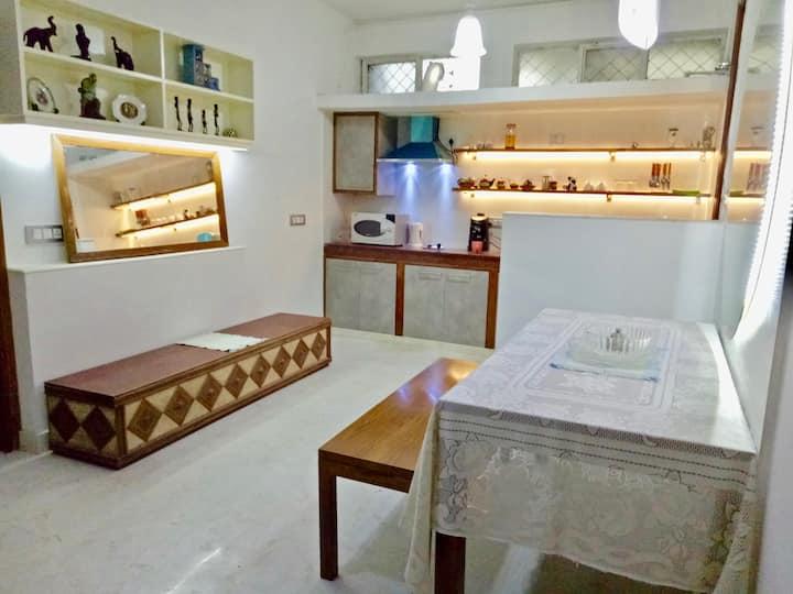 Entire Stylish basement apartment + air purifier