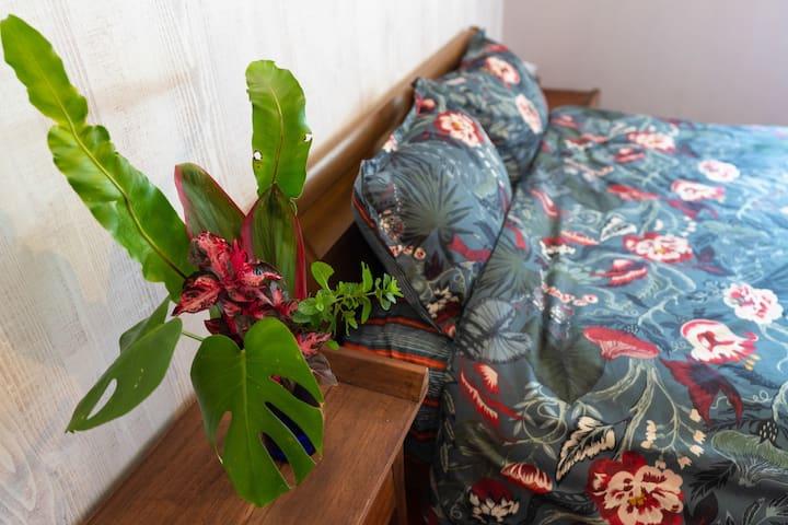 メインベッドルーム  #Vacation Rental Okinawa Traditional house NANATSU BOSHI #沖縄 #民泊 #古民家