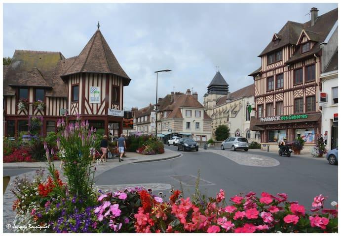 La Parenthèse in Pont-l'Évêque city center