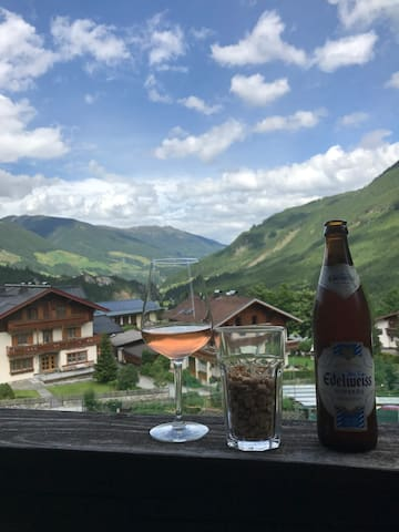 Krimml, 2-4 person apartment in heart of the Alps