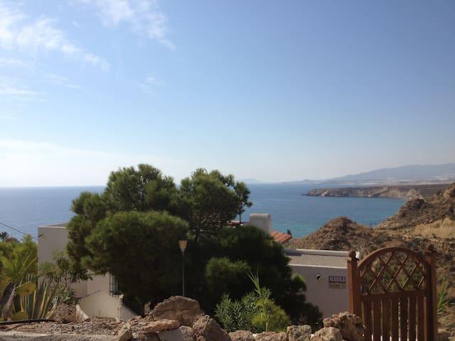villa con estupendas vistas al mar