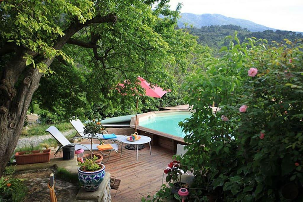 Maison de village avec piscine priv e 901 houses for for Piscine bois 6x4