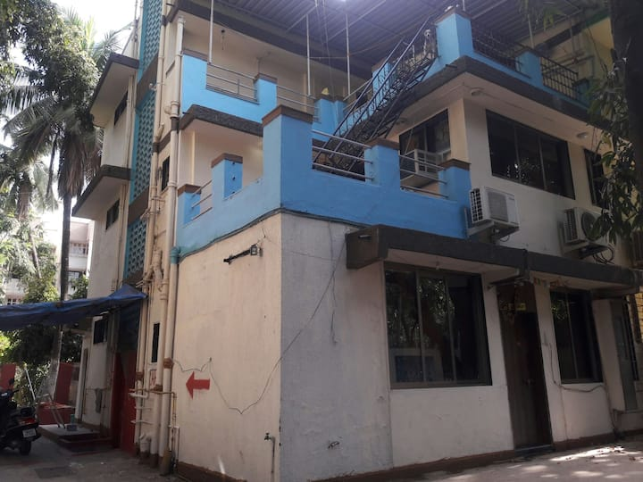 PRIVATE ROOM IN ANDHERI/JUHU