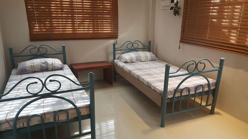 Blissful Bed & Breakfast (Room 4)