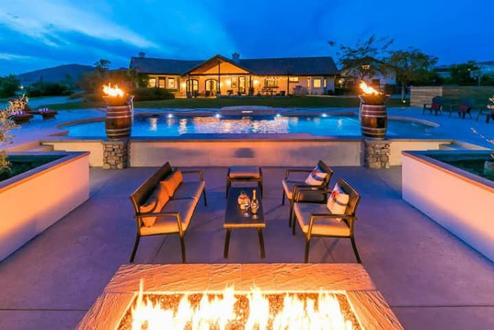 25% OFF DEC! Stunning Wine Country Home w/ Pool, Jacuzzi + Large Yard!