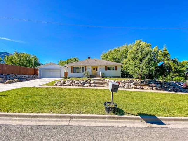 Beautiful home close to trails and Snowbasin.