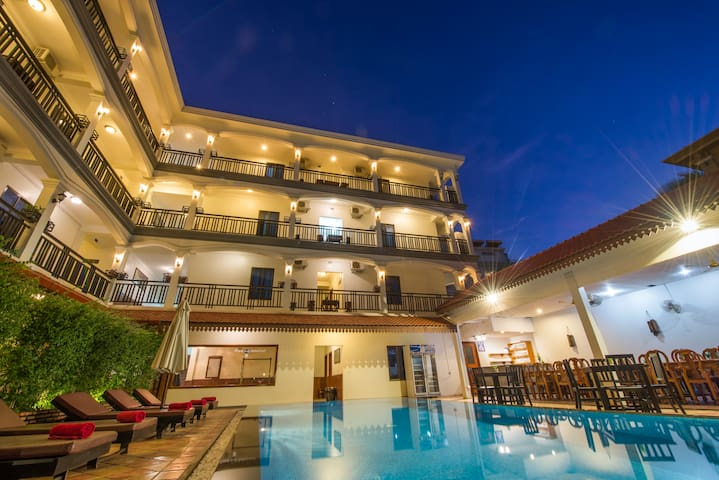New@ The Amra Hotel+Double Room+BF+Pick UP+WiFi - Krong Siem Reap - Bed & Breakfast